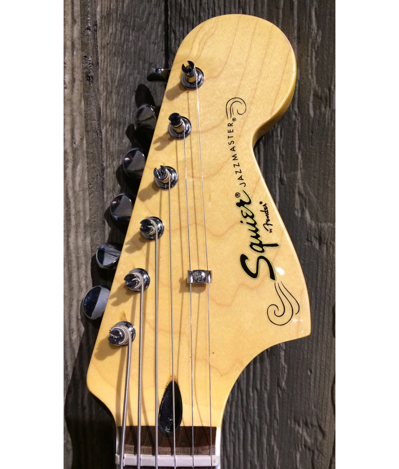 Squier-Vintage-Modified-Baritone-Jazzmaster-headstock