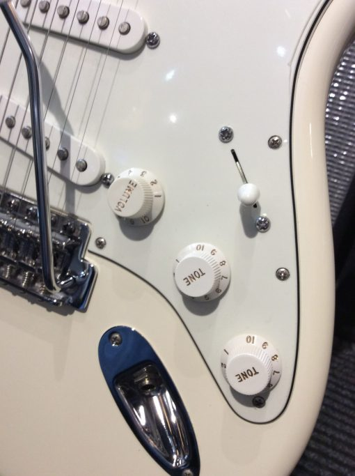 Used Fender American Professional Stratocaster White